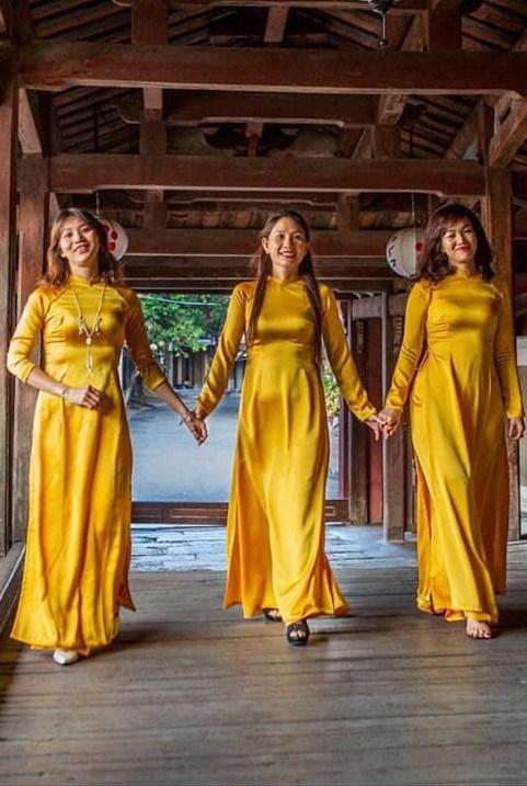 Các chị em đã sẵn sàng cho mình một bộ vải may áo dài 8/3 chưa ạ!!!!